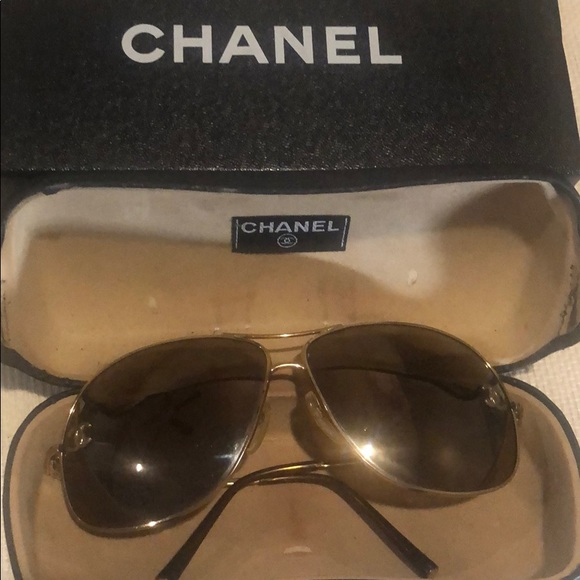 CHANEL Accessories - Authentic Chanel CC Mirror sunglasses